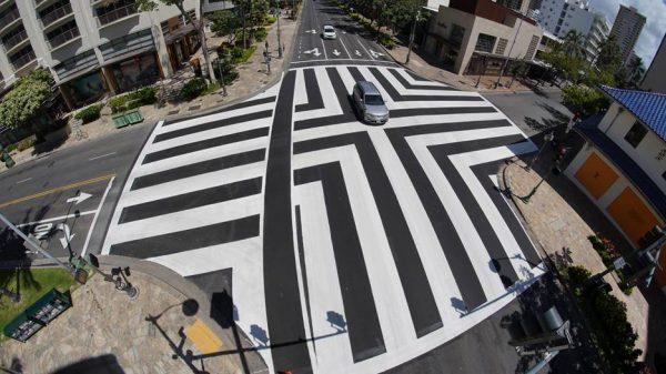 新しい横断歩道ワイキキ